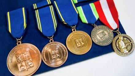Pamětní mince, medaile, vyznamenání pro útvary policie a armády