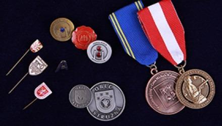 Abzeichen, Medaillen, Münzen, Orden