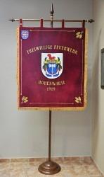 Eine handbestickte Fahne für die Feuerwehr aus Hohenwarte