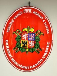 Ovale emaillierte Feuerwehrtafel mit dem Logo des Verbands der Feuerwehren von Böhmen, Mähren und Schlesien (SH ČMS) und mit großem Staatswappen