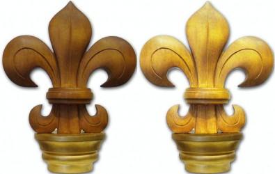 Handgeschnitztes Kopfteil mit Lilienmotiv für Stange