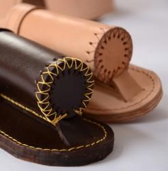 Detail der Ledergurte für Fahnenträger