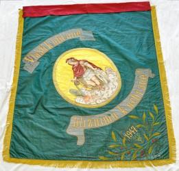 Historische Fahne des Freiwilligen Feuerwehrvereins (SDH) Novosedly mit schöner St.-Florian-Stickerei