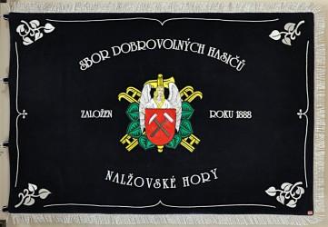 Bestickte Fahne des Freiwilligen Feuerwehrvereins (SDH) Nalžovské Hory