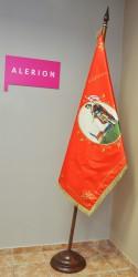 Bedruckte Fahne des Feuerwehrvereins DHZ Bernolákovo, an zweiteiliger Stange