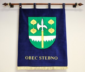 Besticktes Wappen für die Gemeinde Stebno
