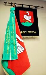 Bestickte Festsymbole der Gemeinde Lestkov