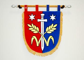 Besticktes Wappen in Schildform der Gemeinde Třebovle