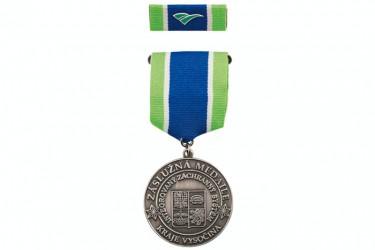 Verdienstmedaille an Hängeband und mit Ansteckband