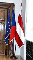 Sametová vlajka České republiky, Evropské unie a města Brna