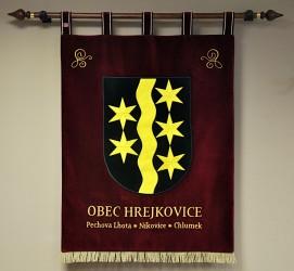 Vyšívaný znak vyhotovený pro obec Hrejkovice