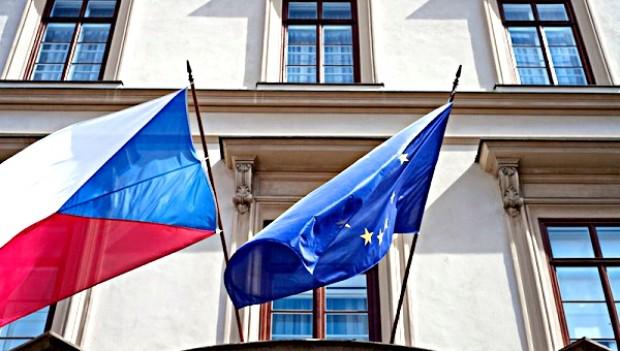 Venkovní tištěné vlajky s vlastní grafikou, instituce úřady