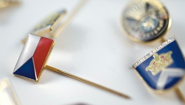 Zakázková výroba odznaků a nášivek pro instituce a úřady