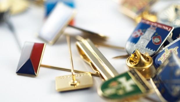 Zakázková výroba odznaků a medailí pro golfové resorty
